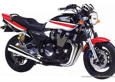 1999-XJR1300SP Black-Red-White AMA