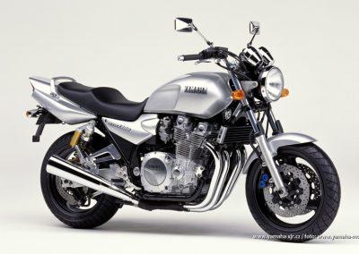 2000-XJR1300 Silver Metallic (SM1)