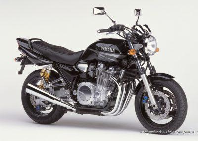 2002-XJR1300 Black (BL2)