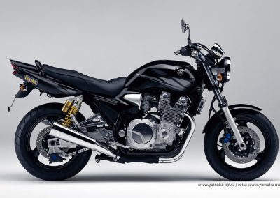 2003-XJR1300 Midnight Black (BL2)