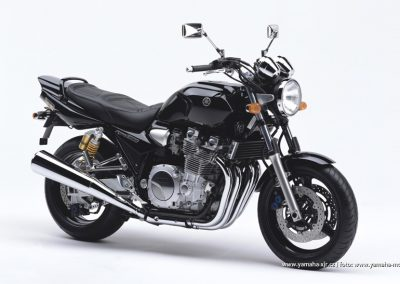 2004-XJR1300 Midnight Black (BL2)