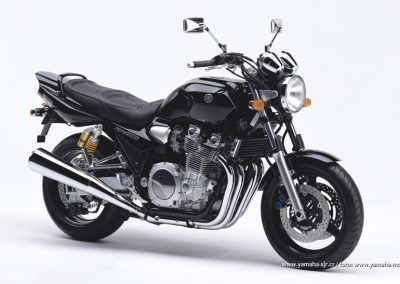 2005-XJR1300 Midnight Black (SMX)
