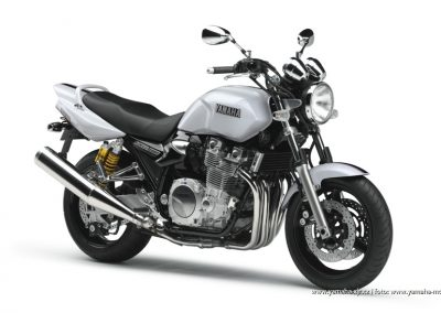 2008-XJR1300 Competition White (BWC1)