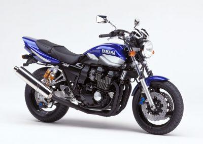 Yamaha-XJR-400R-